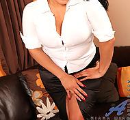 Anilos.com - Freshest grown-up column on the net featuring Anilos Kiara Mia interracial milf
