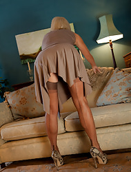 Jan's Nylon Sex :: Hardcore pics and videos with Utterly Fashioned Nylon Stockings