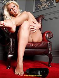 Leggy Lana