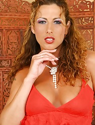 Oiled up cougar Yvette toys their way hungry snatch.